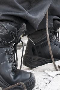 נעלי בטיחות עם כיפת ברזל